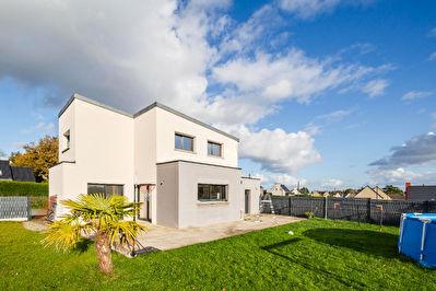 A vendre maison contemporaine sur la commune de TRELIVAN proximite Dinan Lehon