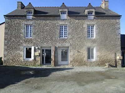 A vendre Secteur Dinan maison en pierres- ideal pour un investisseur 186 m2