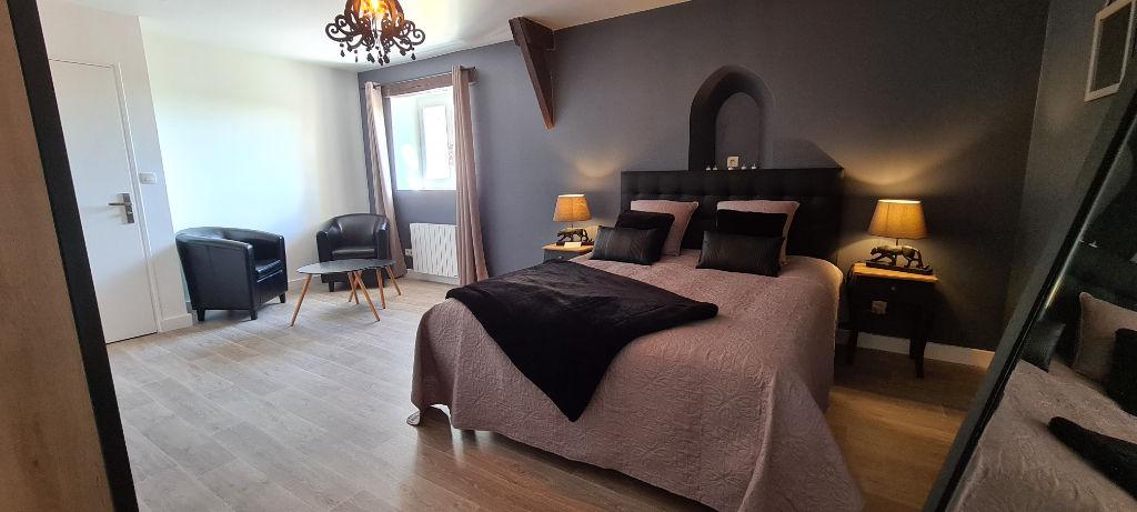 A vendre  Propriété à  Montauban De Bretagne  sur l'Axe Rennes St Brieuc