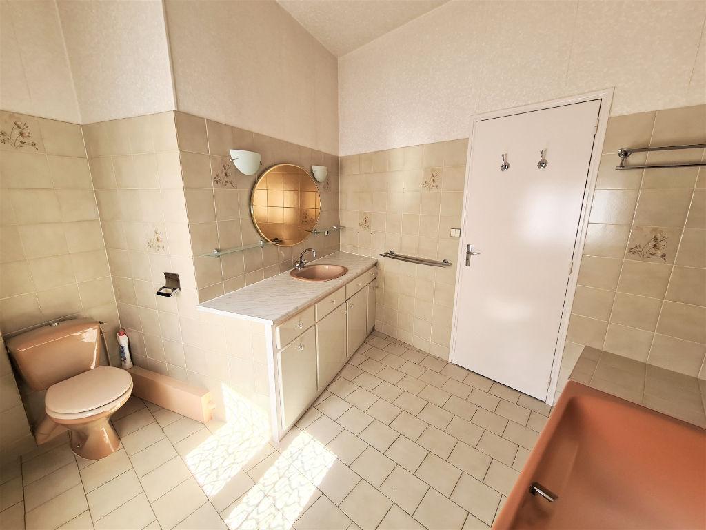 MAISON DE BOURG, 3 chambres, 150m², LA MEMBROLLE SUR CHOISILLE