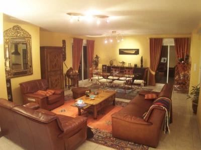 MAISON ST BARTHELEMY D'ANJOU - 5 pieces - 136 m2