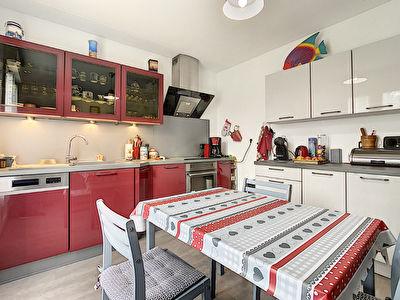 AMBOISE Appartement T3 refait a neuf