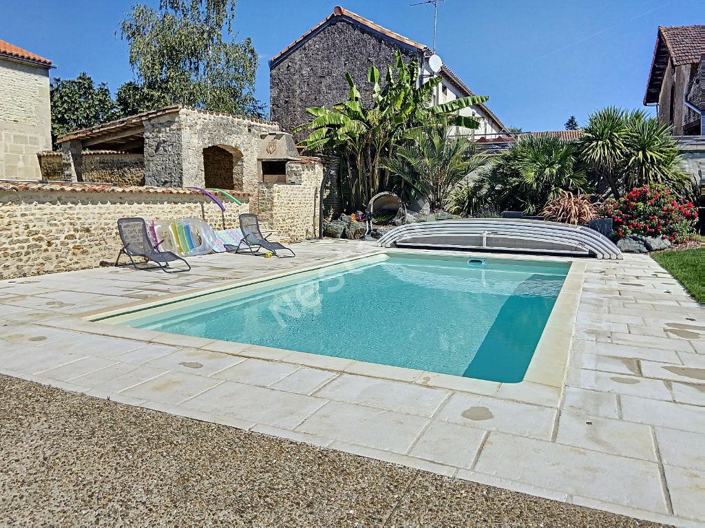 vente maison de luxe 85200 doix les fontaines