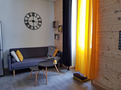 A LOUER - Appartement deux pieces situe sur MARANS