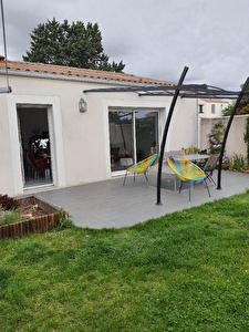 A LOUER - Maison de plain-pied, deux chambres sur la commune de Sainte Soulle