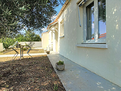Maison de plain-pied 3 chambres, garage et jardin situee a Puilboreau-Lafond proche de La Rochelle et du centre commercial de Beaulieu