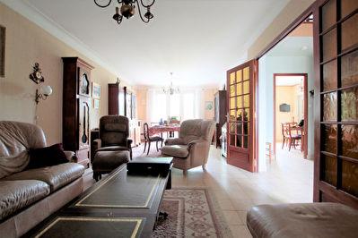 Maison Orvault  Morliere 4 chambres 136m2 avec JARDIN et GARAGE Proche Tramway .