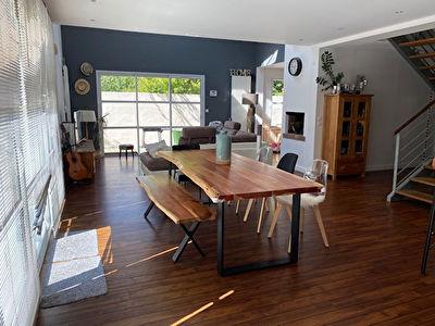 Appartement  5 pieces 144 m2