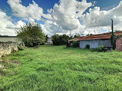 Terrain a vendre 5 minutes Sud Saumur - 930 m2