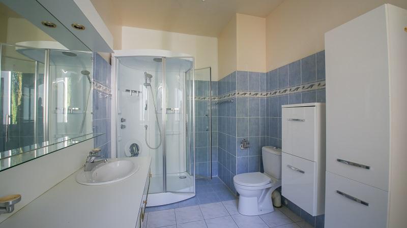 Maison Grandchamps Des Fontaines 288.24 m2