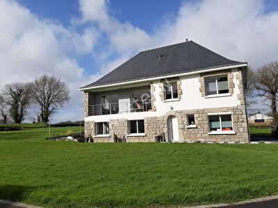 Maison a vendre Bignan 6 chambres - 4640 M2 de terrain