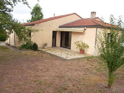 Maison Les Landes Genusson 5 pieces 99 m2