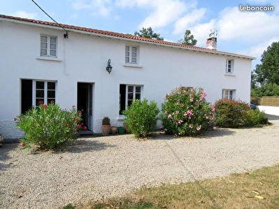 Maison Saint Denis La Chevasse 4 pieces 125.5 m2
