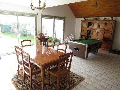 Maison Saint Erblon 6 pieces 167 m2 - Terrain SUD OUEST environ 2800m2