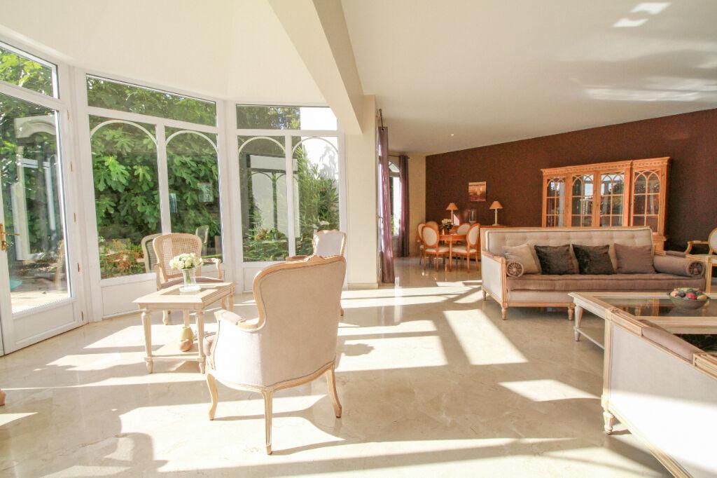 EXCLUSIVITE - Propriété dans le Centre de Bruz 7 pièce(s) 245 m2 -  Terrain arboré 1380 m2 -