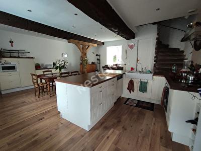 Maison  centre Saint-Erblon - 7 pieces 150 m2