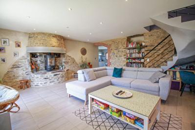 NOUVEAUTE LAILLE - Maison en pierres renovee 6 pieces 120m2 environ - 1100m2 de terrain avec grande dependance