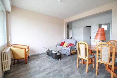Appartement Rennes T3 - Rue de de Fougeres dernier etage