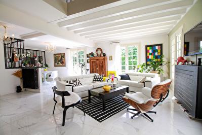 Superbe Maison 190 m2 Noyal Chatillon Sur Seiche - Terrain 5000 m2 - Portes de Rennes