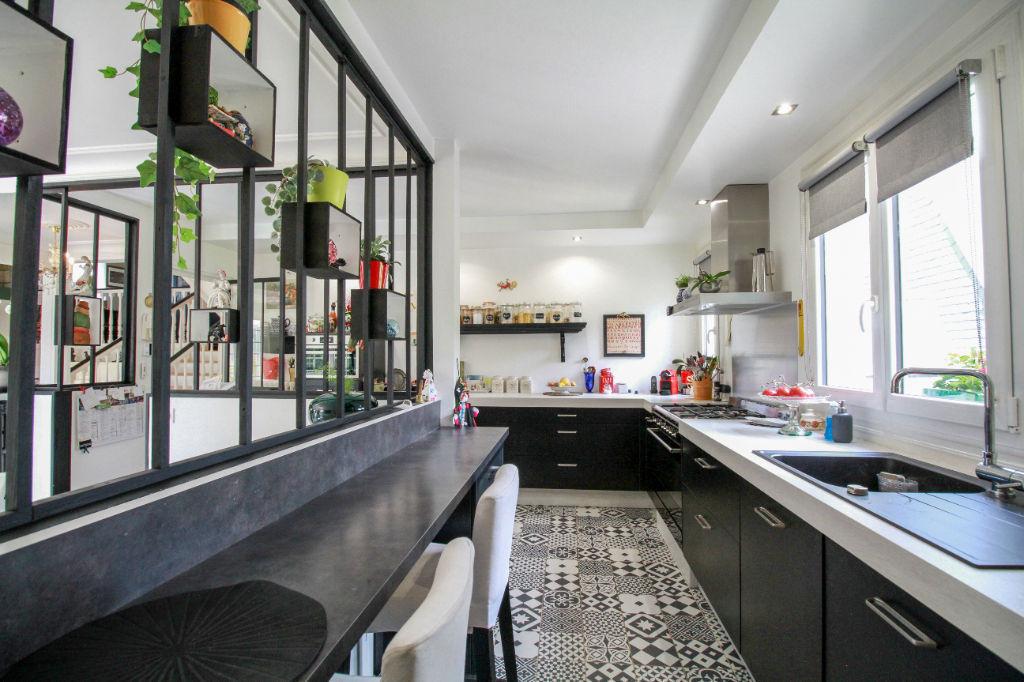 NOUVEAUTE Superbe Maison 190 m2-  Terrain 5000 m2 -