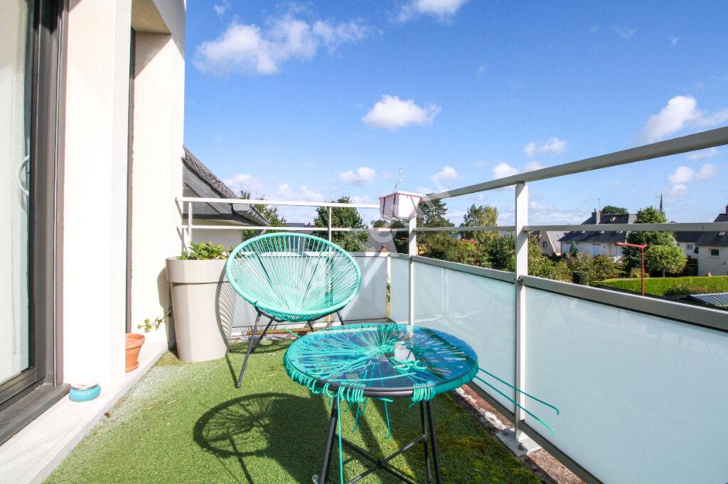Appartement St Erblon 3 pièce(s) - Plein centre - Garage et parking