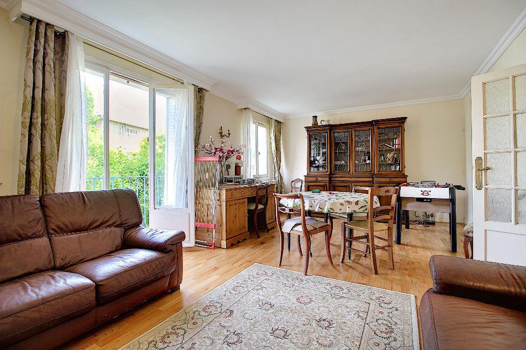 photos n°1 Appartement Rueil Malmaison 3 pièces 64.36 m2