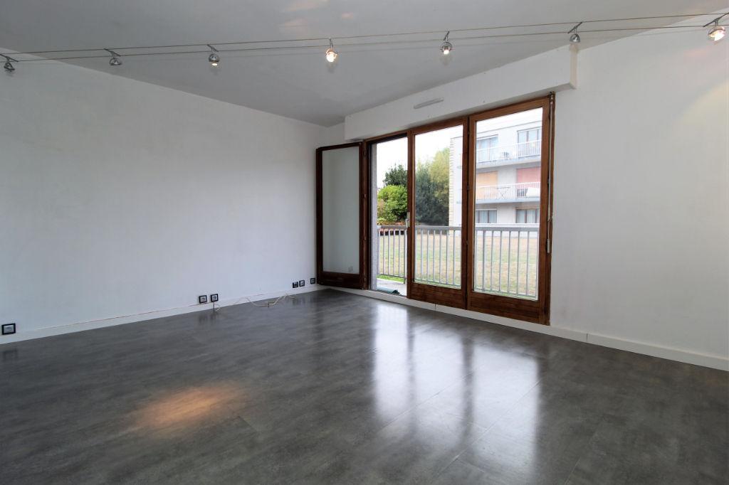 photos n°1 Idéal investisseurs : studio de 28,57m2 (Rueil-Malmaison)