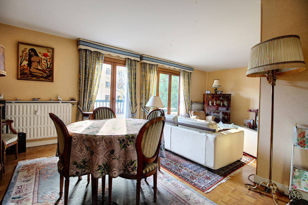 photos n°1 Appartement Rueil Malmaison 5 pièces 104 m2