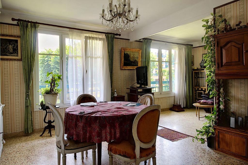 photos n°1 Appartement Rueil Malmaison 3 pièces 60 m2