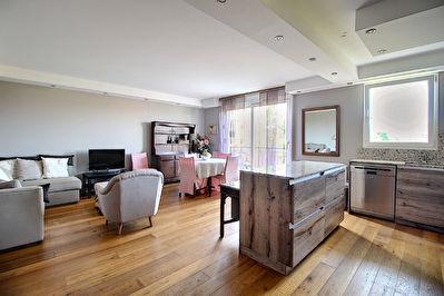 Appartement Rueil Malmaison 3 pieces 65.9 m2