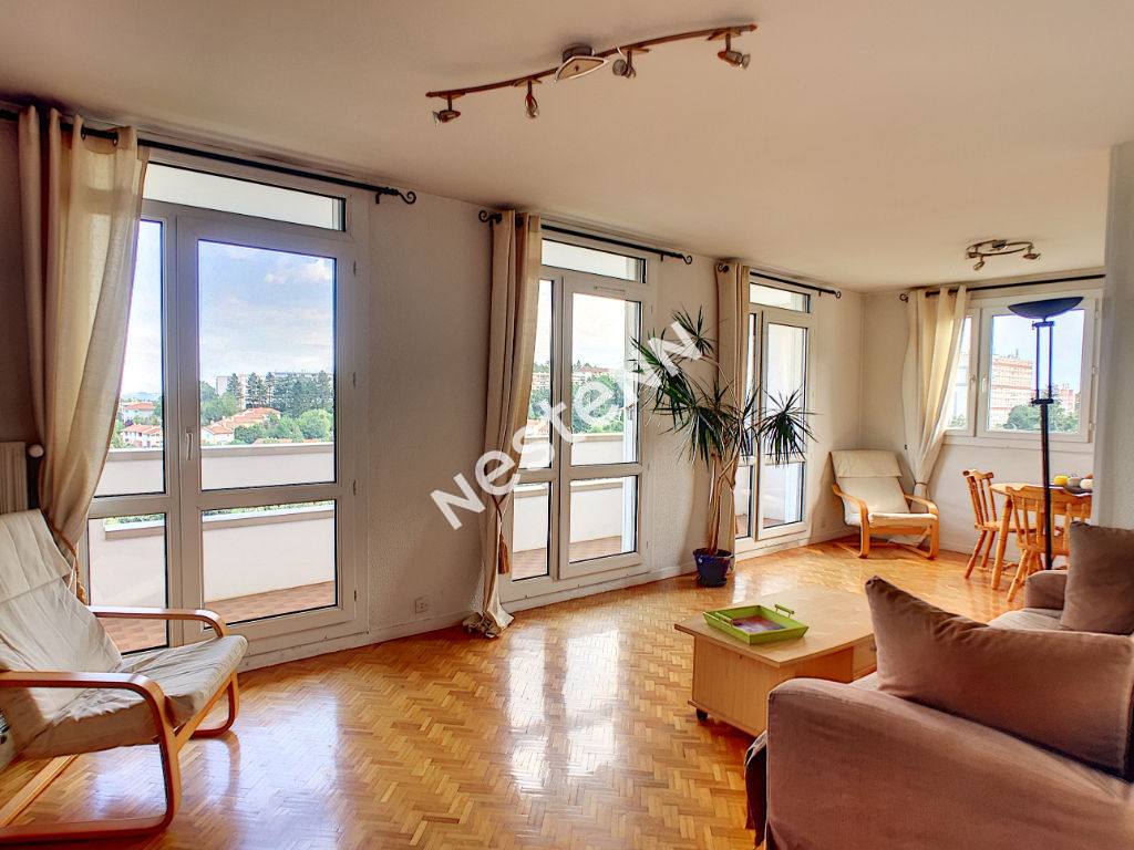 EXCLUSIVITE NESTENN: APPARTEMENT T4 ST ETIENNE PARC DE L'EUROPE + garage et place de stationnement