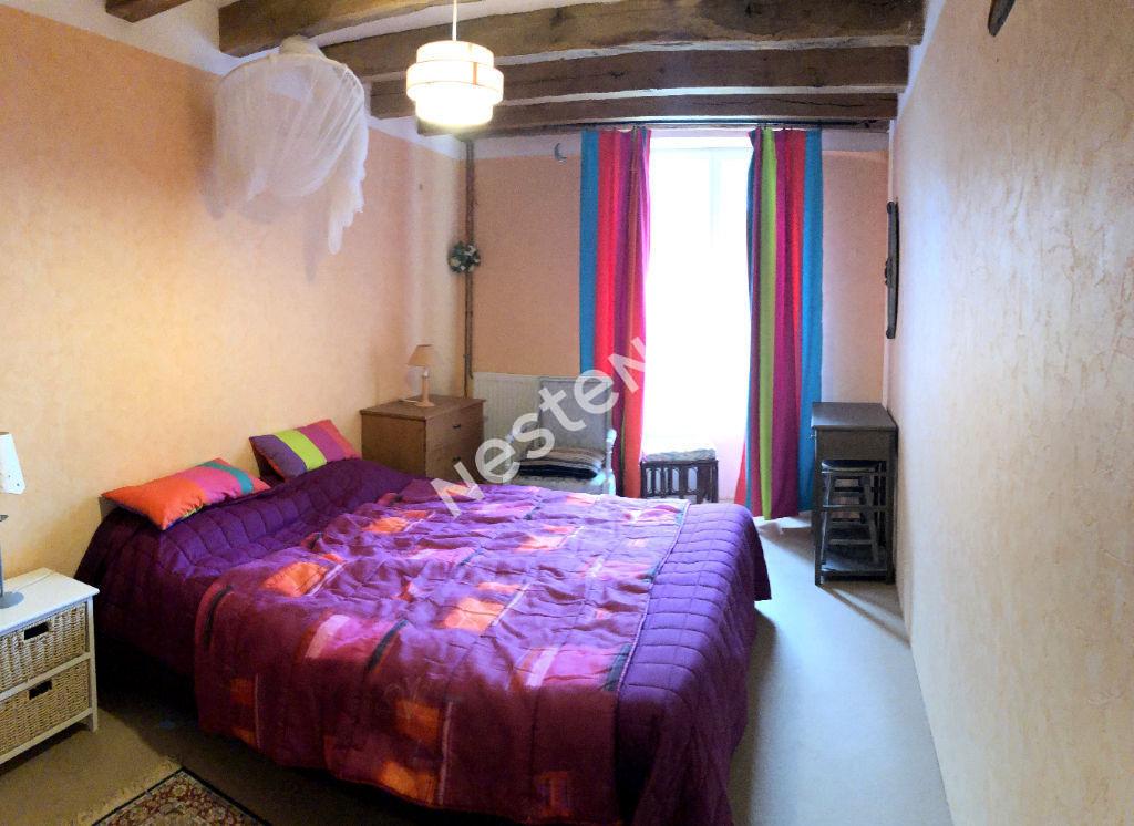 A VENDRE sur POULAINES (36), Maison avec beaucoup de charme d'environ 132 m²  avec 3 chambres de plain-pied.