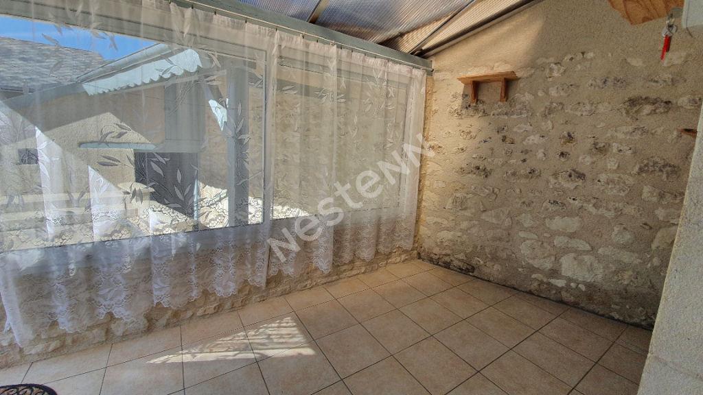 Jolie maison aux portes de VALENCAY (36)