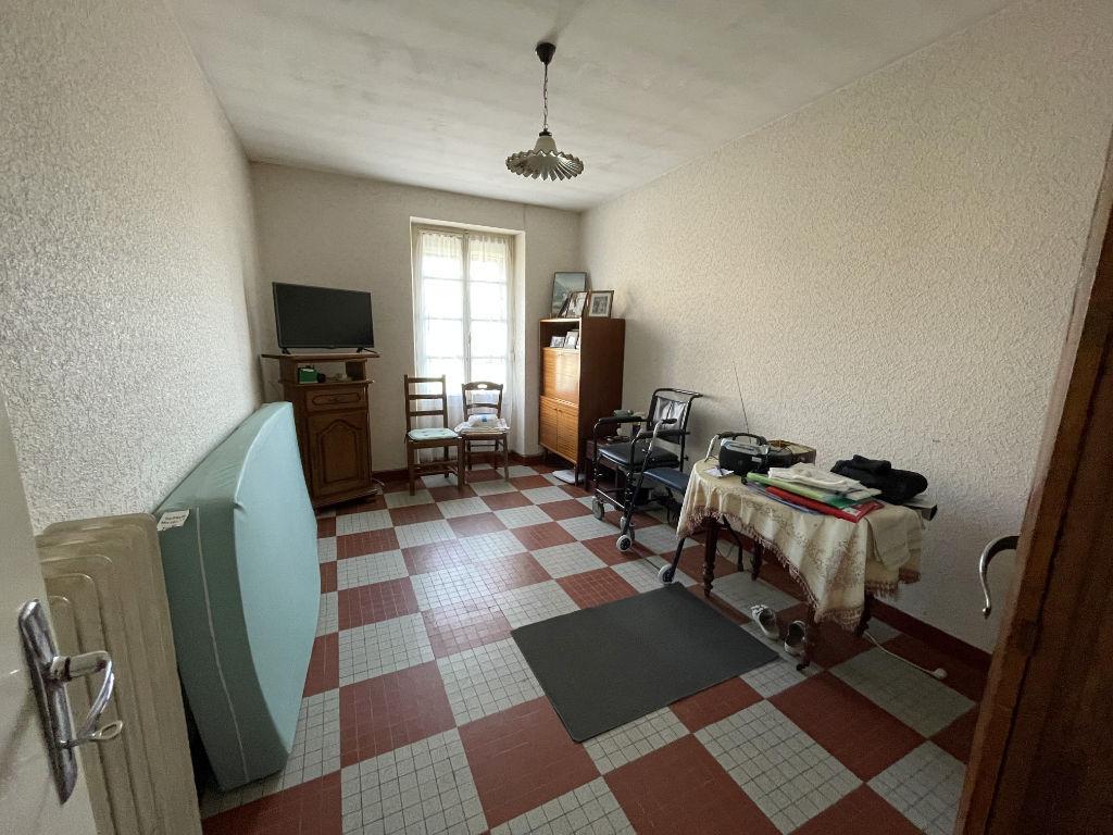 MAISON TYPE LONGÈRE 3 CHAMBRES AVEC 22 HECTARES DE TERRAIN AU CALME À CHABRIS (INDRE 36)