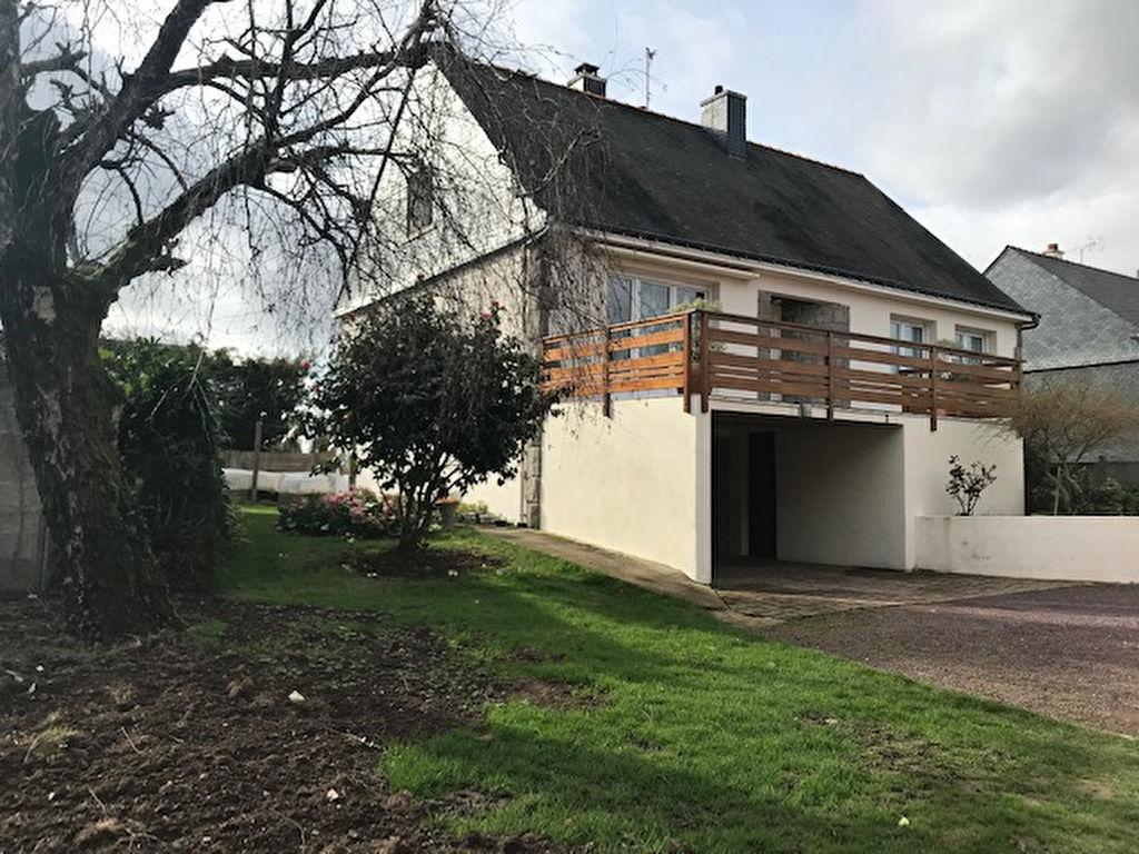 photos n°1 A vendre maison à St-Avé, 5 chambres, sous sol complet, garage et terrasse