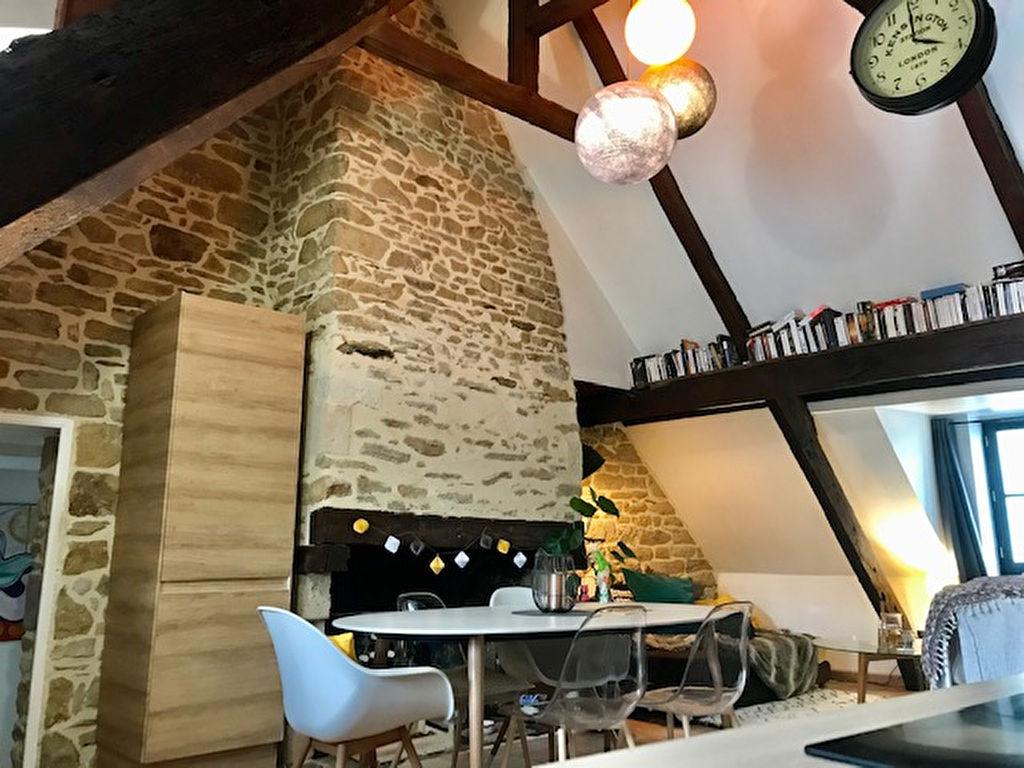 Appartement de 80 m² utile au dernier étage, Centre historique de Vannes
