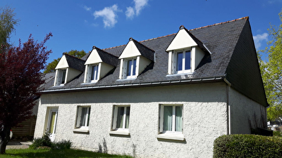 Maison plein bourg d'Arradon avec jardin, vendue louee