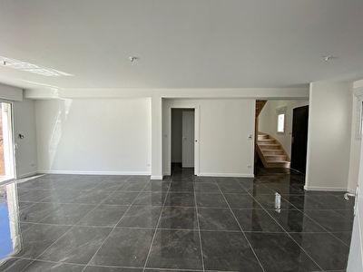 Maison neuve 105 m2  avec 283 m2 de jardin, vie de plain pied a Saint-Ave