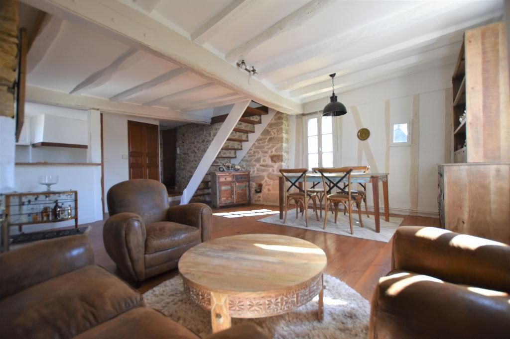 photos n°1 Appartement 3 pièces 73 m² utiles dernier étage au Centre Historique de Vannes
