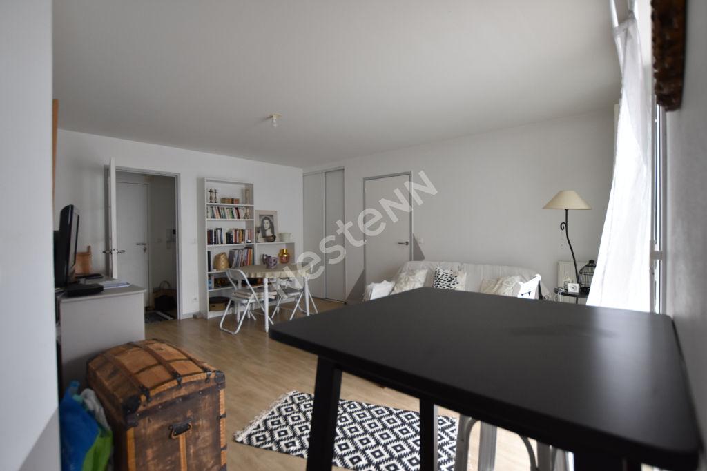 Appartement Vannes 3 pièces, balcon 17 m², parking couvert