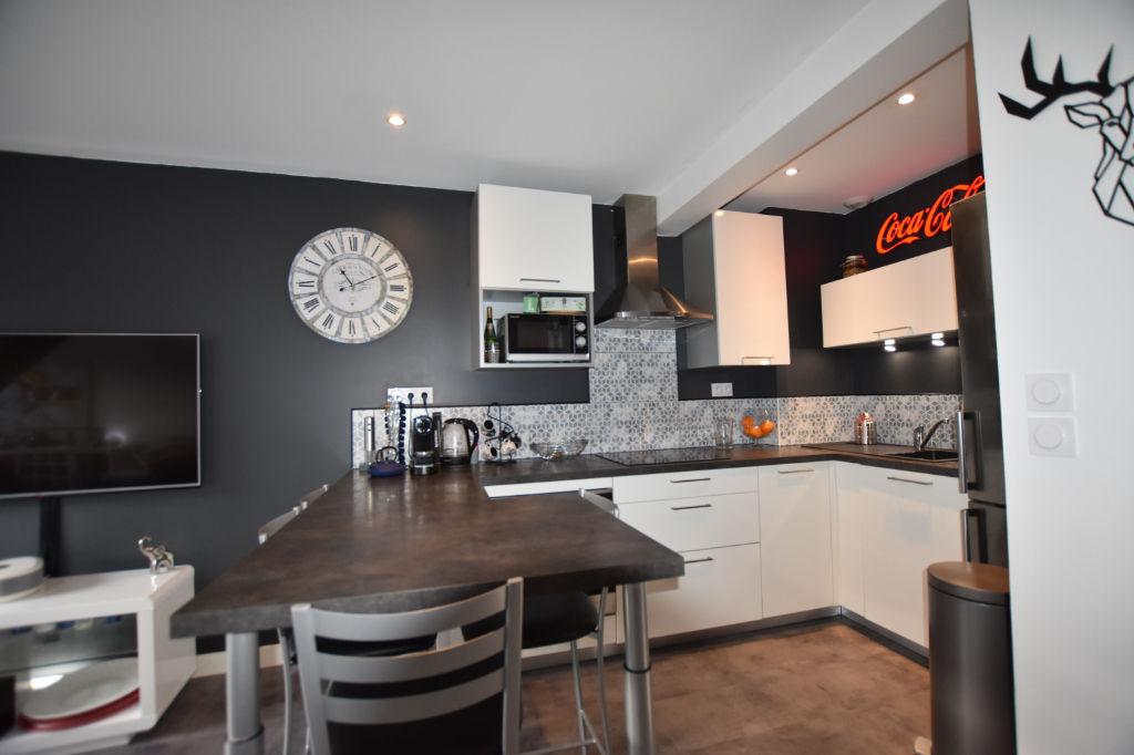 Vannes centre- Appartement 3 pièces - 53 m² utiles - ascenseur - dernier étage - garage
