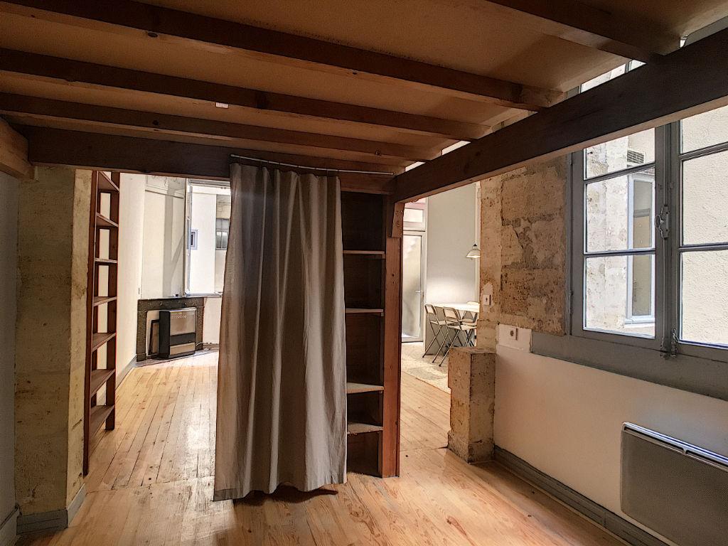 BORDEAUX -St-Pierre, 2 pièce(s) 45 m2