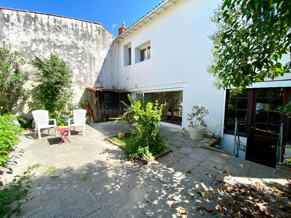 RARE - Maison  216 m² - Hyper centre de la Rochelle - Garage