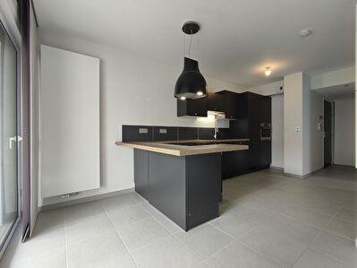 La Rochelle -  Secteur Saint Eloi - Appartement T2 52 m2 - Terrasse - Parking
