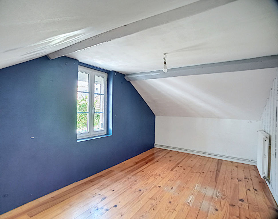 Maison Lisieux 6 pièces, 75 m², 4 chambres avec un terrain de 300 m².