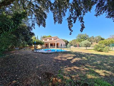 Maison de 151 m2 sur un terrain de 1500 m2 a vendre a Carpentras