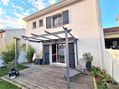 Maison centre Thurins 5 pieces 94.11 m2 + garage 21m2