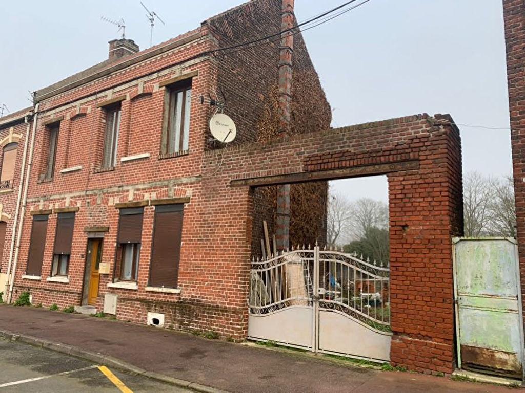 Maison semi-individuelle à Douai de 140 m² avec jardin.