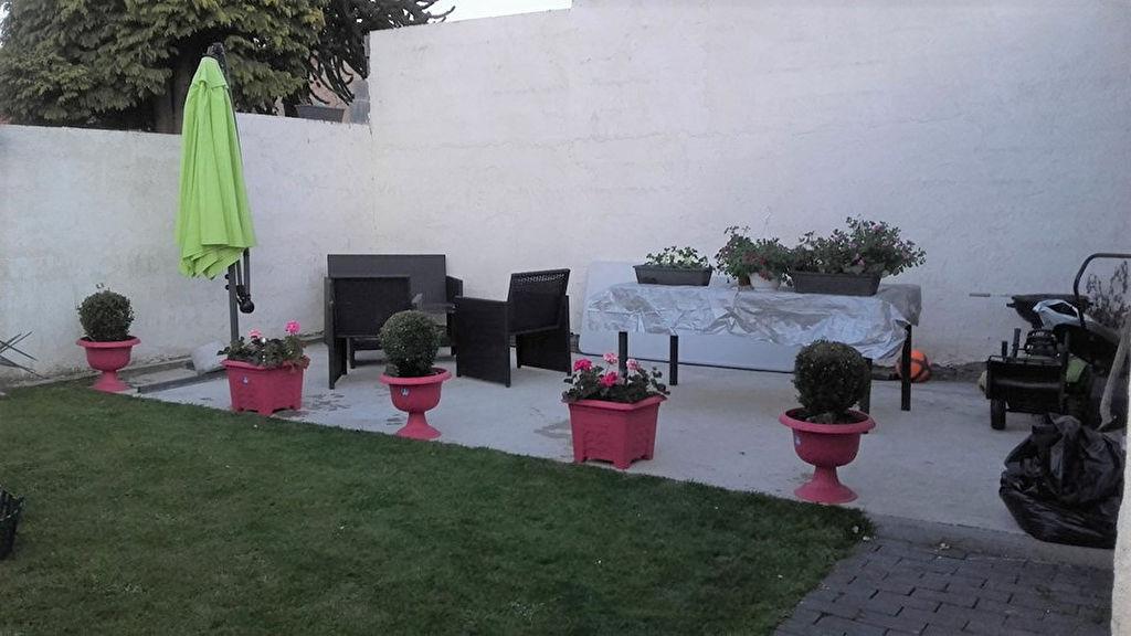 Investissement locatif - Maison louée  Auberchicourt 93.72 m2 2 chambres, jardin, 650 euros par mois.