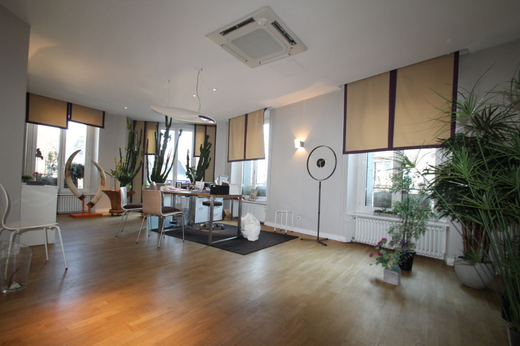 APPARTEMENT CHAMBERY - 5 pièce(s) - 122.99 m2